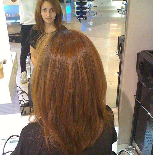 Smoothing Away The Frizz Female Daily - Gaya rambut pendek smoothing