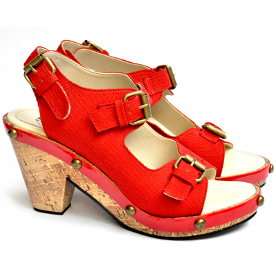huge discount 61804 72144 Diana Rikasari Declares Her Passion for Shoes Through UP ...