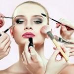 8 Produk Makeup Wajib Punya untuk Pemula