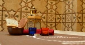 moroccan bath feature