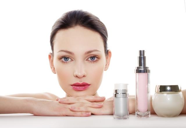 menghapus makeup 1
