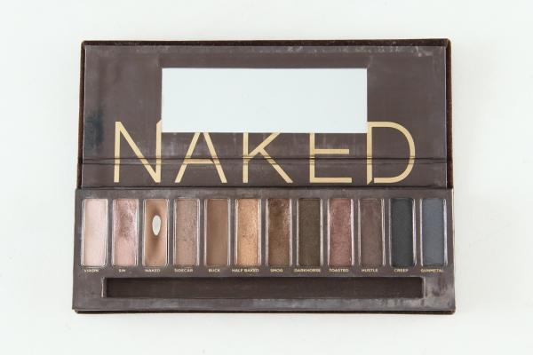 Naked-1-femaledaily