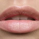 6 Cara Mudah Membuat Bibir Pink Alami Tanpa Lipstick