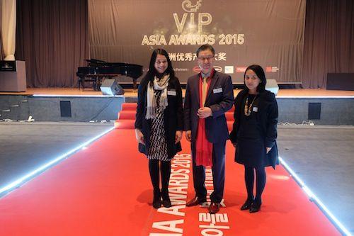 Saya dan Fia bersama Kidai KIm, CEO Aving News