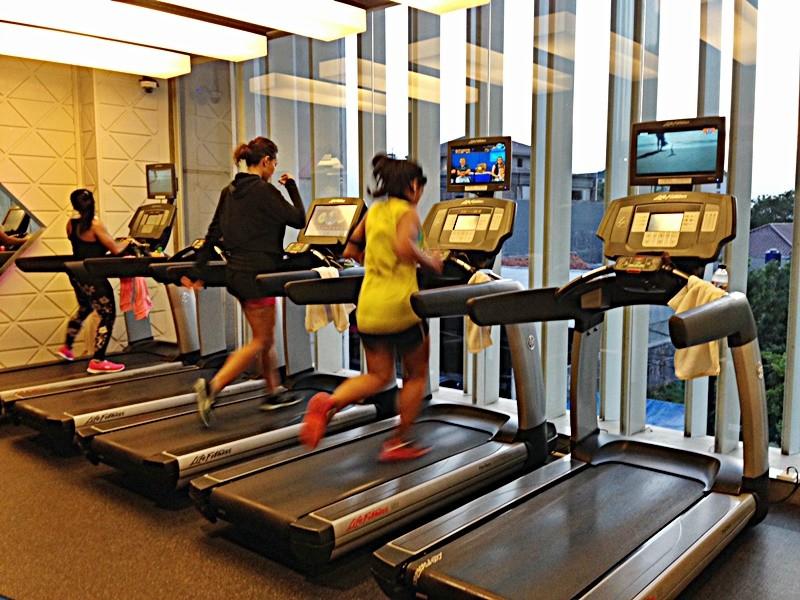 10 Latihan Fitness Ini Bisa Dilakukan di Rumah