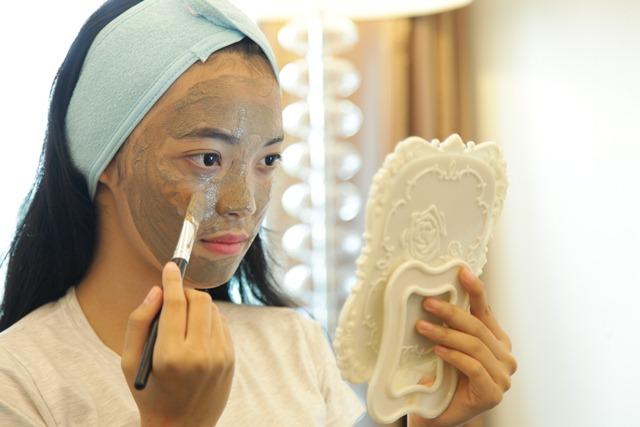 manfaat-masker-wajah-sheet-mask-1