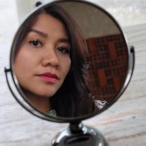 4 Trik untuk Membuat Mata Terlihat Cerah