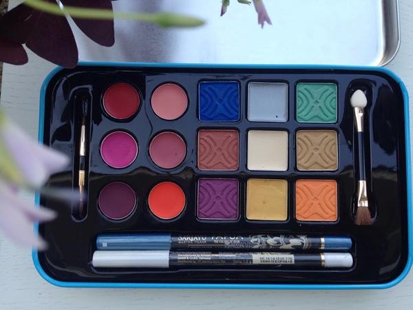 2 Makeup Palette Cocok untuk yang Baru Bekerja - Female Daily