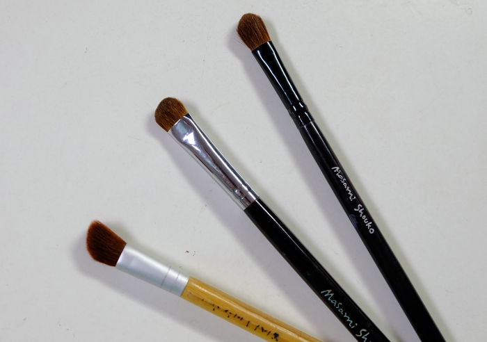 Tiga Contouring Brush Untuk Hidung