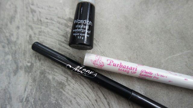 Review Produk Kosmetik Eyeliner Wardah dengan Eyeliner Sari Ayu