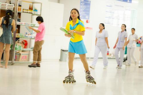 Yanhee Roller Skate Messenger