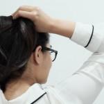 Ini Dia 3 Kebiasaan Sehari-hari yang Bikin Rambut Rontok