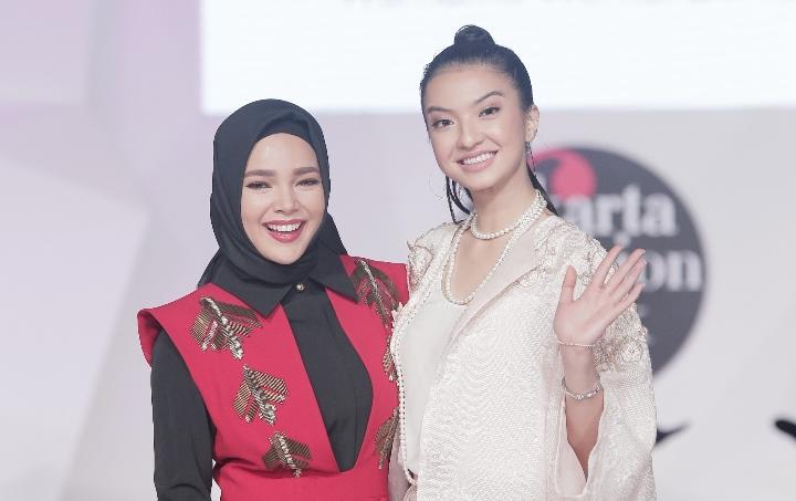 Dewi Sandra & Raline Shah 2