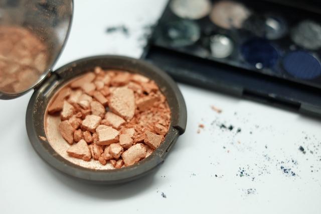 Makeup pecah
