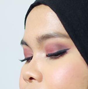 silkygirl-matte-eyeliner-thumb