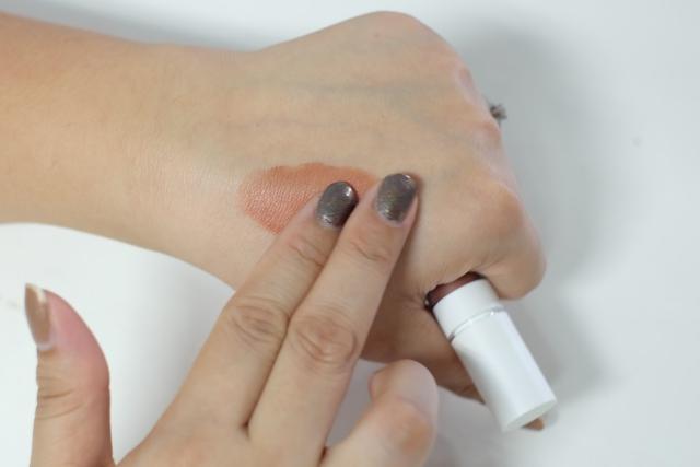Tips Pakai Liquid Lipstick untuk Blush On-4