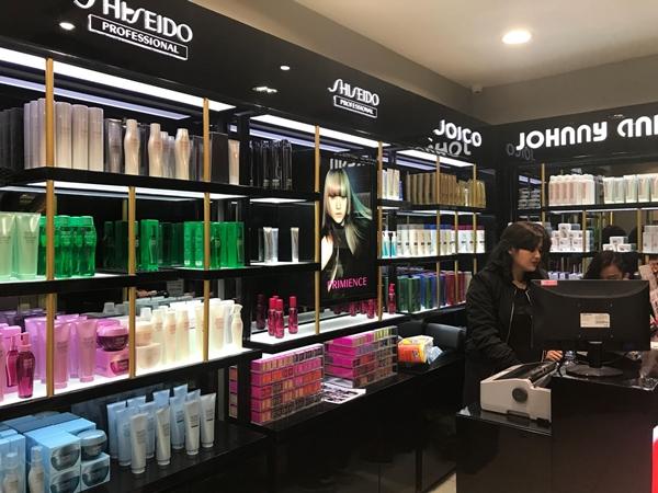 Johnny Andrean Salon Premium 2