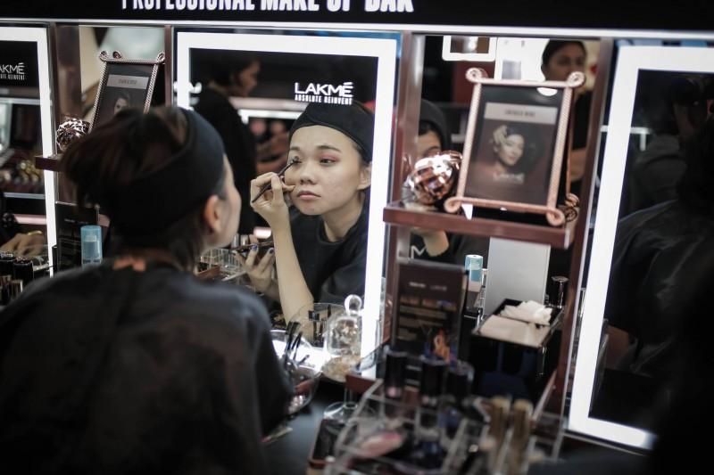 lamke makeup - female daily