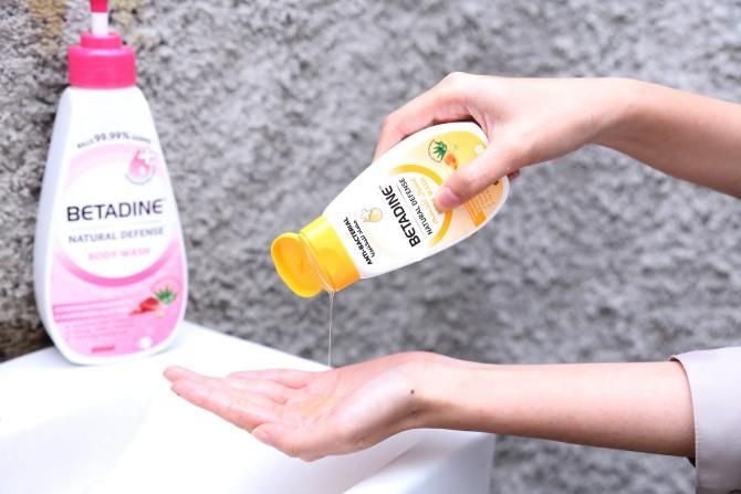 Betadine Natural Defense Body Wash-2